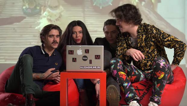 Фото №1 - Новый «Антивидеосалон»: The Hatters смотрят новогодние клипы