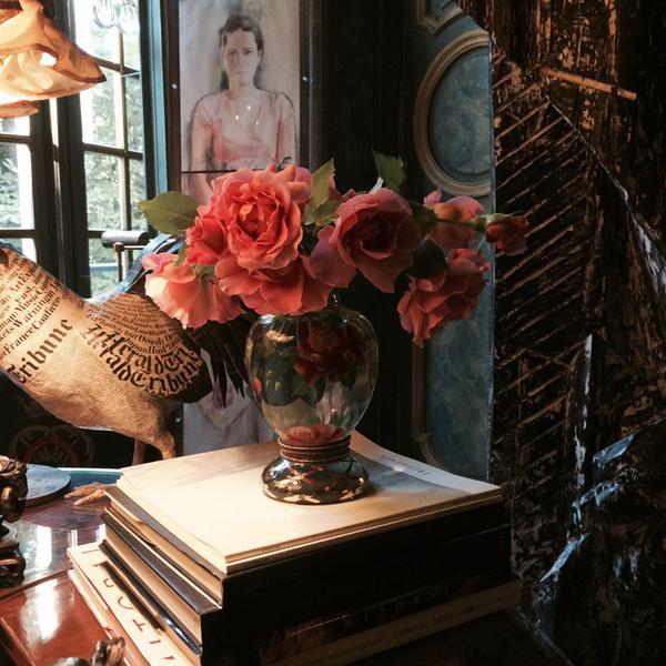 Фото №1 - Розы из сада д'Орнано: аромат Izia от Sisley