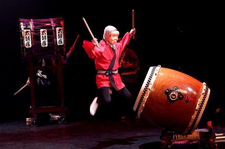 Фото №2 - Энергия ритма и японские барабаны: группа «Taikoza» в Доме музыки