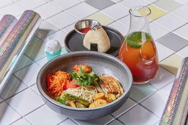 Фото №4 - Не только окрошка: 4 рецепта холодных летних супов