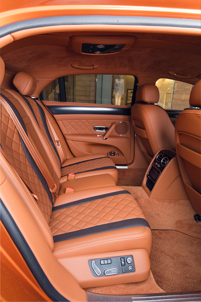 Фото №14 - Cамый быстрый четырехдверный Bentley в истории — Flying Spur W12 S