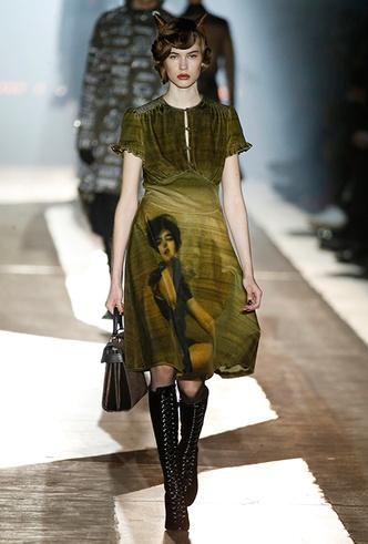 Фото №4 - Мех, нейлон и латекс: женщина-2018 глазами дизайнеров Недели мужской моды в Милане