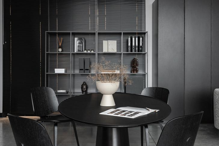 Фото №4 - Монохромный офис дизайн-бюро Simple interiors