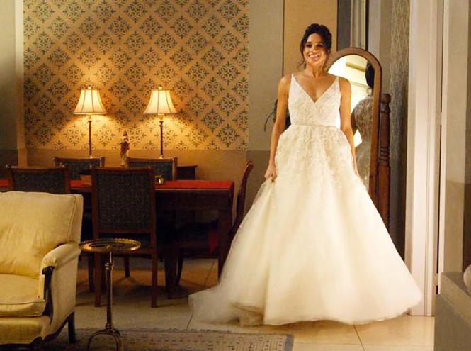 Фото №12 - Концепция дизайна свадебного платья Меган Маркл меняется в угоду Королеве