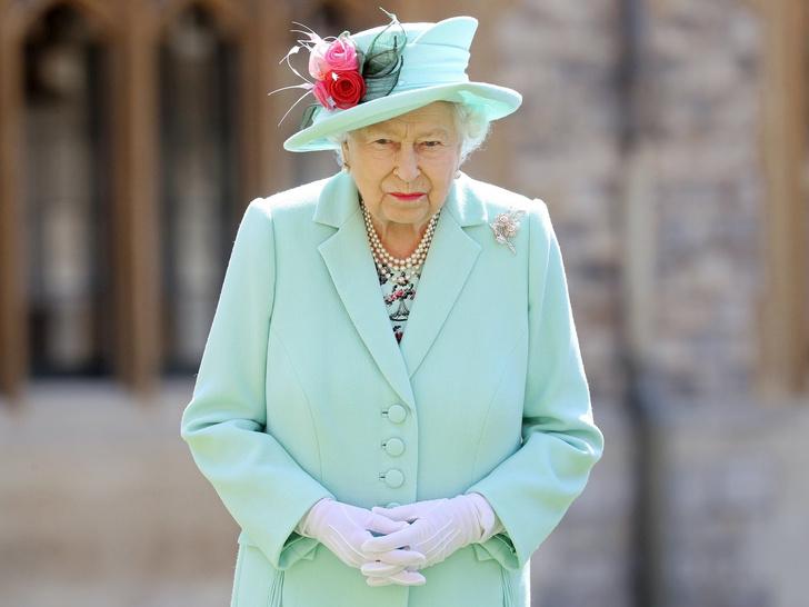 Фото №1 - Тысячелетняя традиция Виндзоров, которой до сих пор верна Елизавета II
