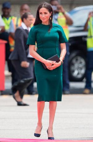 Фото №16 - Почему Кейт носит старые наряды, а Меган покупает новые
