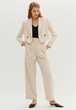 Фото №5 - Топ-5: самые модные пиджаки 2021