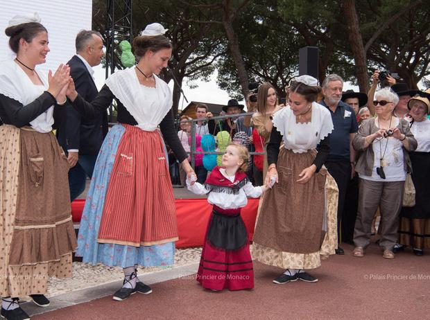 Фото №46 - Принц Жак и принцесса Габриэлла: четвертый год в фотографиях