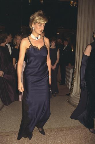 Фото №8 - Принцесса Беатрис Йоркская дебютировала на Met Gala