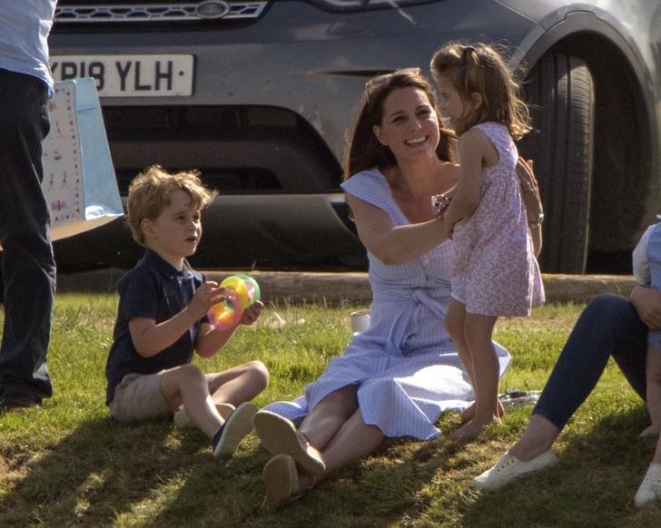 Фото №11 - Методы воспитания леди Дианы, которые переняли Уильям и Кейт Миддлтон— фото