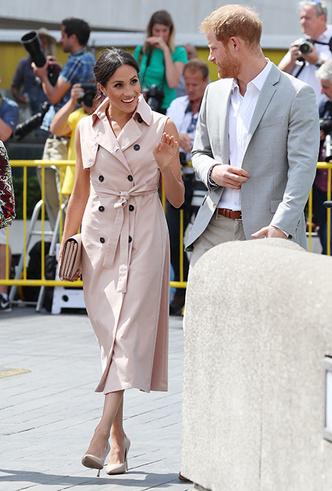 Фото №3 - Снова на работу: Меган Маркл и принц Гарри почтили память Нельсона Манделы