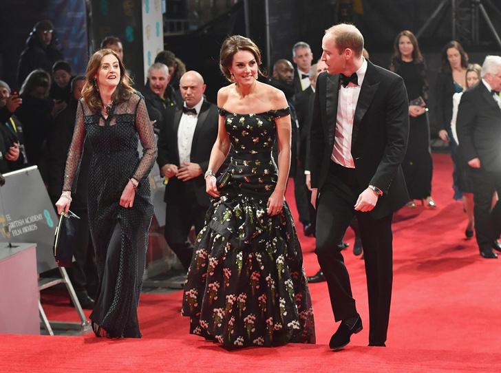 Фото №1 - Талант скромности: герцогиня Кембриджская на церемонии BAFTA