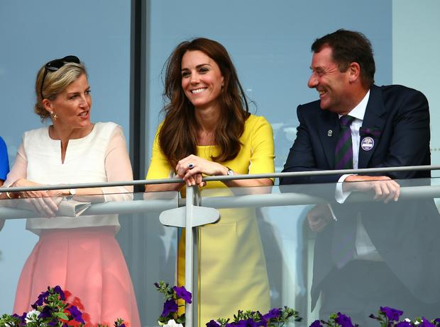 Фото №2 - Новый уровень: как Кейт и Софи изменили лицо современной монархии