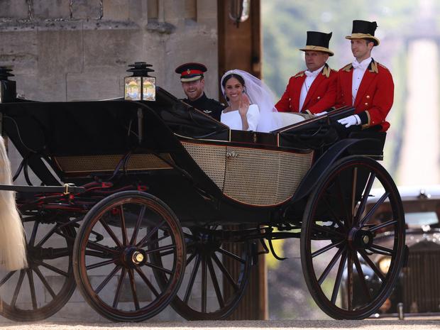 Фото №2 - Непокорная невеста: какую важную традицию Меган нарушила на своей свадьбе