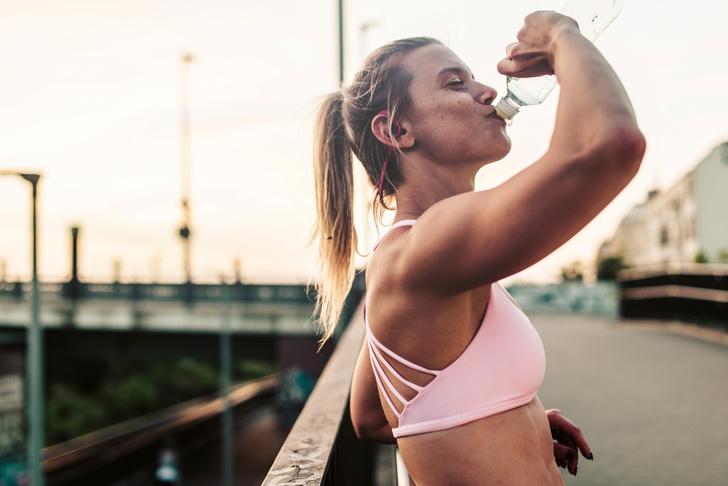 Фото №1 - Зачем нужно «жевать» воду?