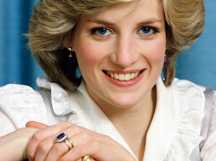 Фото №2 - История помолвочного кольца принцессы Дианы и Кейт Миддлтон