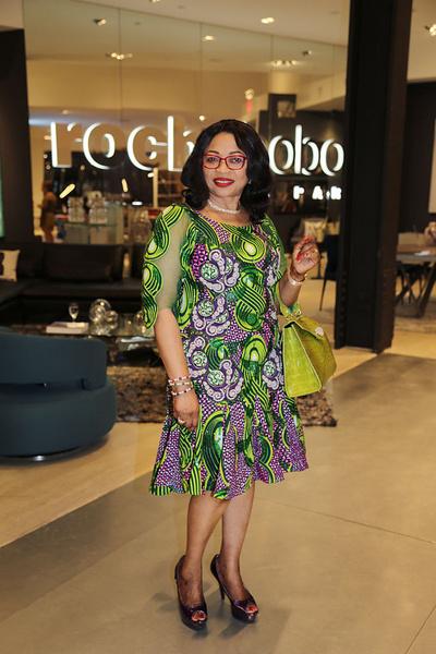 Фото №6 - От секретарши до собственного Dior и джета: сколько богатейшая женщина Африки тратит на туфли