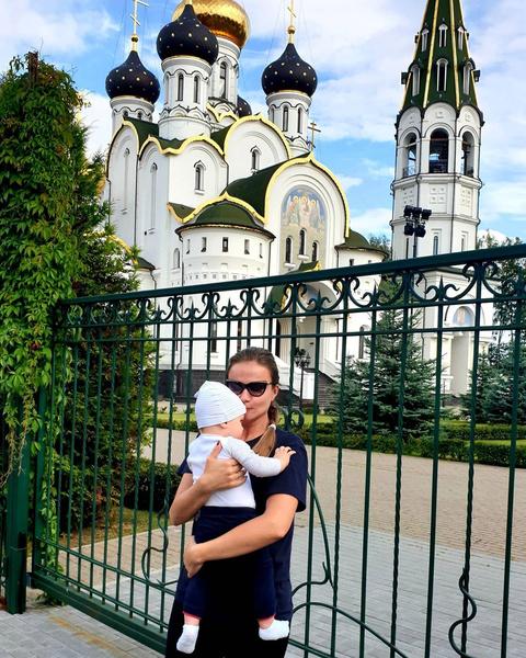 Фото №2 - 46-летняя Мария Миронова показала подросшего сына