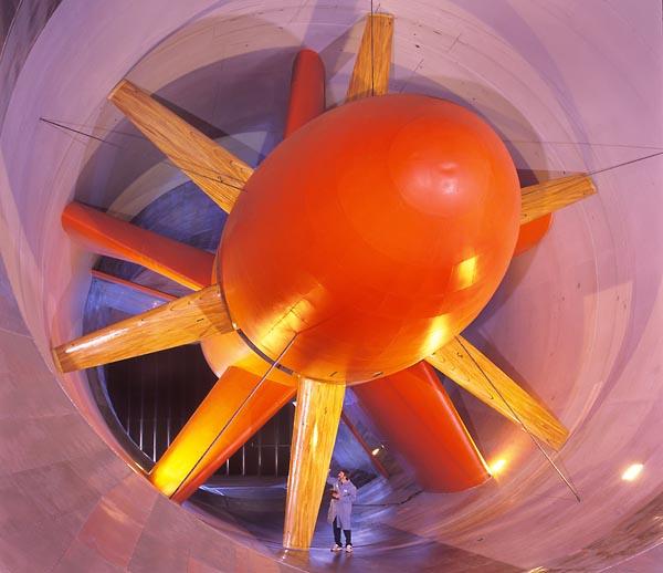 Фото №6 - Воздушные оковы дизайнера