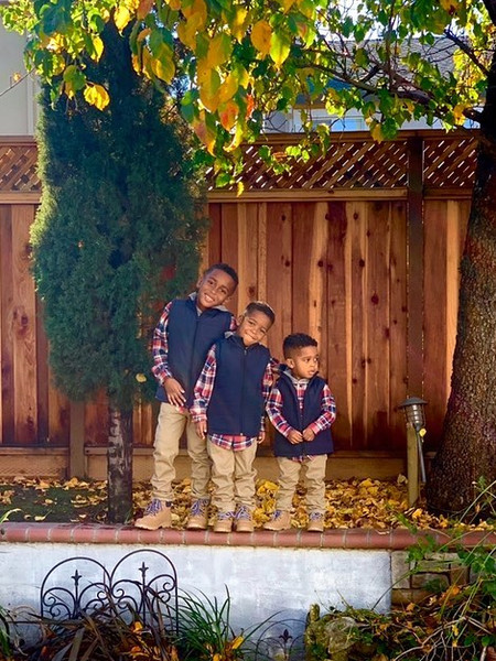 Фото №4 - Психолог с пеленок: посмотрите, как шестилетка умело успокаивает брата