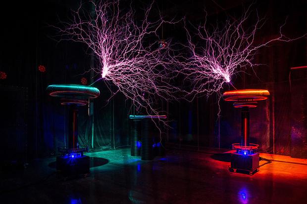 Фото №1 - Тесла-шоу «В поисках украденного электричества»