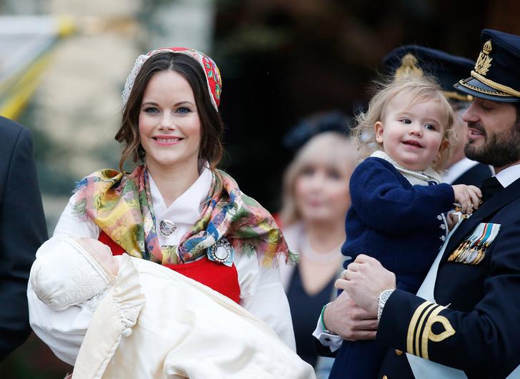 Фото №3 - Королевы и принцессы, которые родили первенцев только после 30 лет