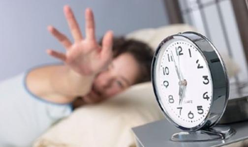 Фото №1 - Медики назвали самые странные вещи, которые люди делают во время сна