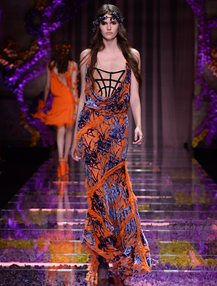 Фото №23 - Неделя Высокой Моды в Париже: Atelier Versace FW2015/16