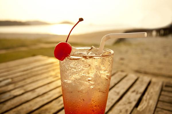 Фото №1 - Выпивка и загар несовместимы