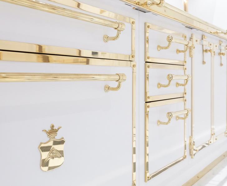 Фото №5 - Белое золото: новая кухня Officine Gullo