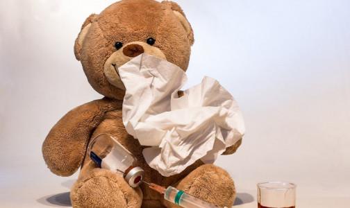 Фото №1 - Петербуржцев начали бесплатно прививать от гриппа квадривакциной