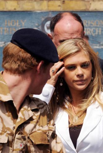 Фото №4 - Опасная дружба: зачем принц Гарри встречался с бывшей девушкой во время визита в Лондон