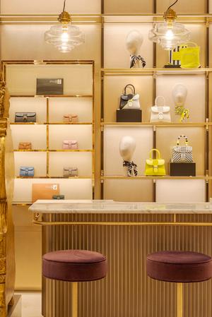 Фото №12 - Новый бутик Delvaux в самом сердце Парижа