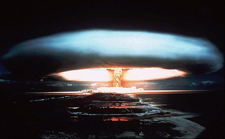 Фото №1 - Стивен Хокинг предупредил о надвигающейся техногенной катастрофе