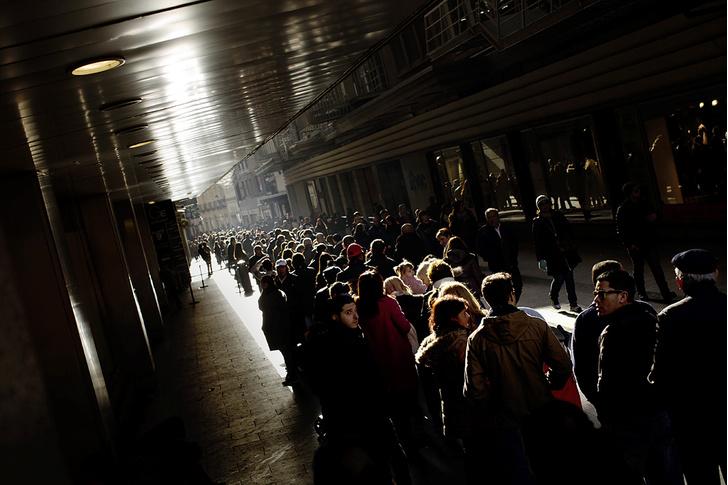 Фото №2 - Большая игра: зачем испанцы ежегодно покупают лотерейные билеты