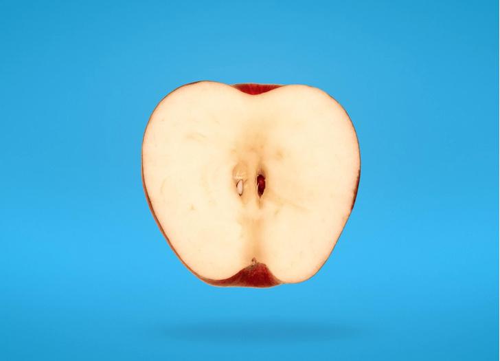 Фото №1 - Около 100 миллионов микробов живут в каждом яблоке