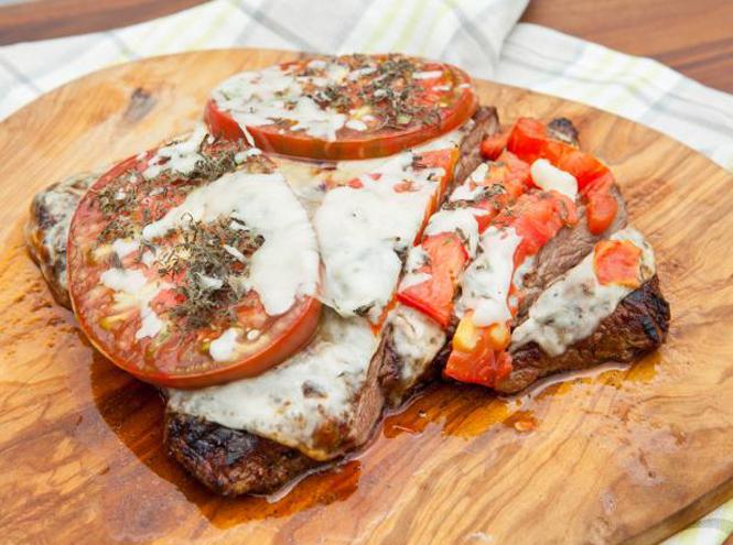 Фото №2 - Необычный шашлык: 5 новых рецептов мяса на огне