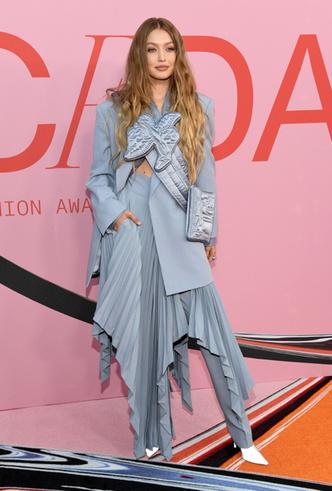 Фото №12 - Лучшие звездные образы на ковровой дорожке CFDA Fashion Awards 2019