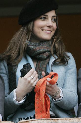 Фото №33 - Драгоценности герцогини: любимые ювелирные бренды Кейт Миддлтон