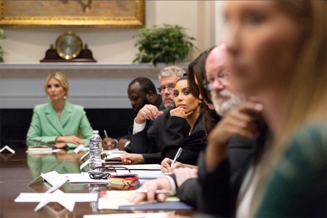 Фото №3 - Ким Кардашьян зачастила в Белый дом