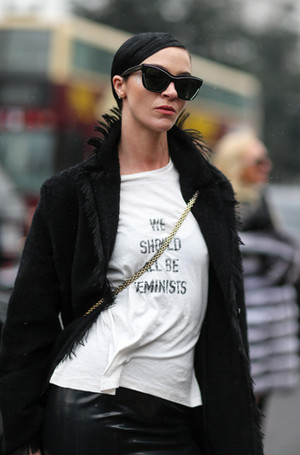 Фото №10 - От принта: какую футболку надеть, чтобы быть в тренде