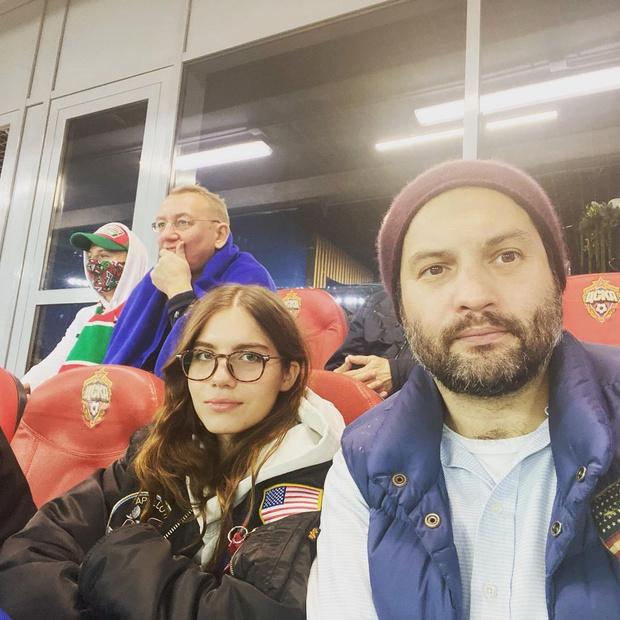 <p>Мария Юмашева со старшим братом</p>