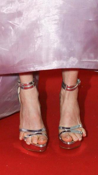 Фото №7 - Боль и слава: самая неудобная обувь звезд