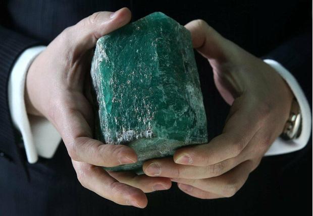 Фото №2 - 4 драгоценных камня, которые дадут фору бриллиантам