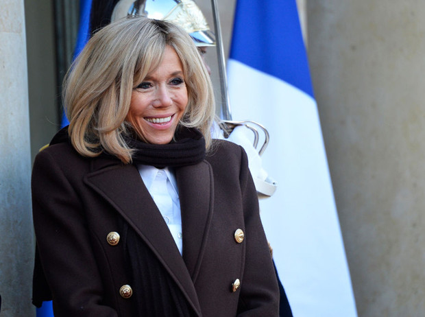 Фото №2 - Сколько Франция тратит на Брижит Макрон?