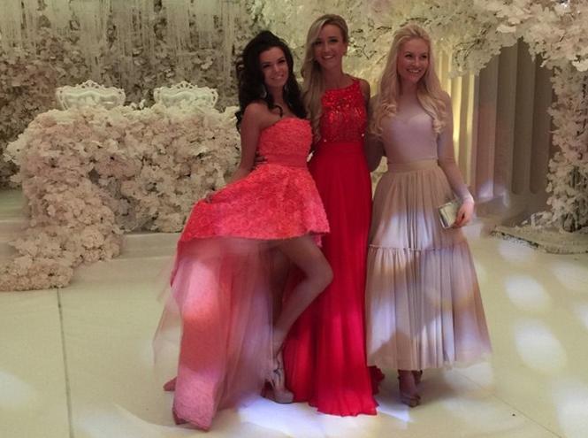 Фото №3 - Тренд лета: коралловое платье «как у подружек Бородиной»