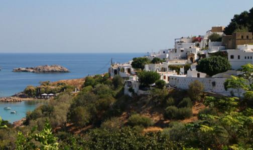 Фото №1 - Греческие острова открывают для россиян. Привитым от коронавируса облегчили правила въезда