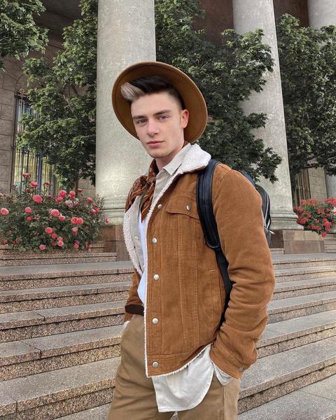 Фото №6 - Топ-7 самых стильных сочетаний в одежде от Димы Ермузевича