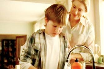 AOS – отличный повод для хозяйки наконец передать сыну часть обязанностей.