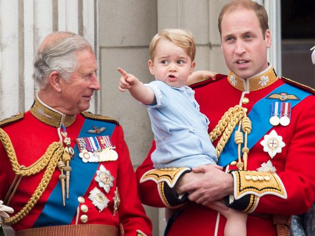 Фото №3 - Какие титулы получит Джордж, когда его отец станет королем (и почему их не пожалуют Шарлотте и Луи)